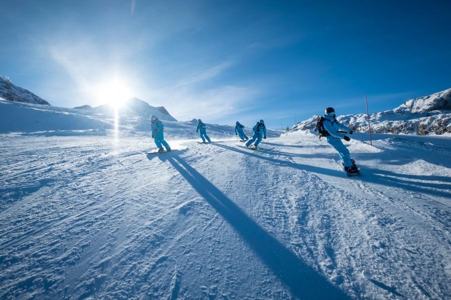 CHOISIR UNE EQUIPE DE PASSIONNÉS Etre soutenu pour son monitorat de ski